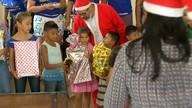 Inicia as entregas dos presentes arrecadados na campanha Papai Noel dos Correios