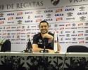 """Eder Luis estampa felicidade no rosto: """"Nem lembrava do meu último gol"""""""