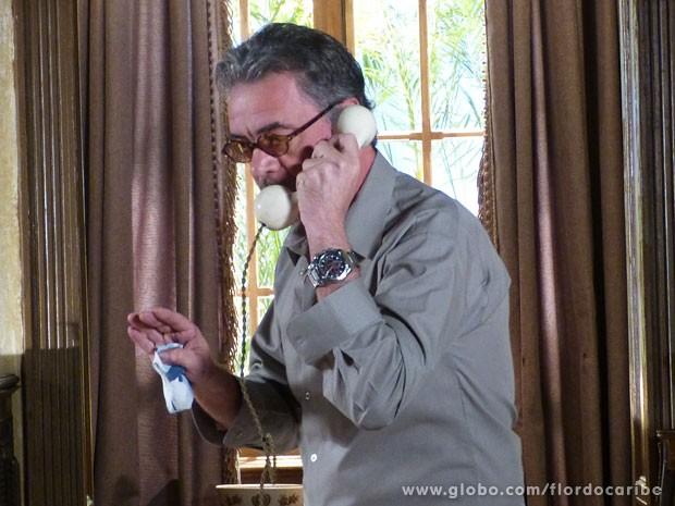 Se passando por capanga, Duque engana Dom Rafael (Foto: Flor do Caribe / TV Globo)