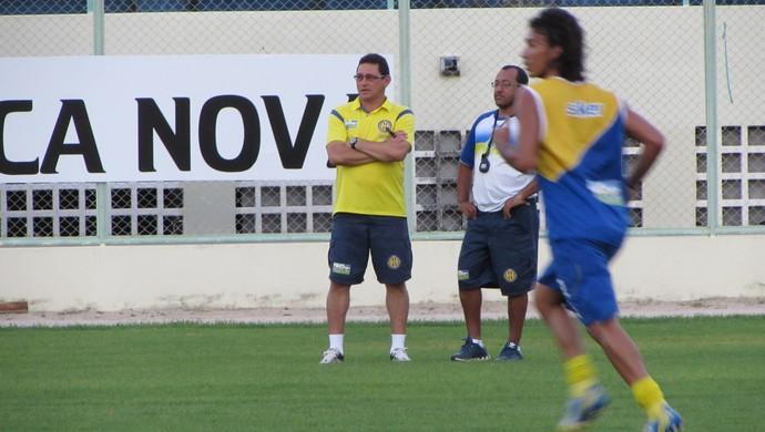 Roberto Carlos, técnico, Horizonte (Foto: Juscelino Filho)