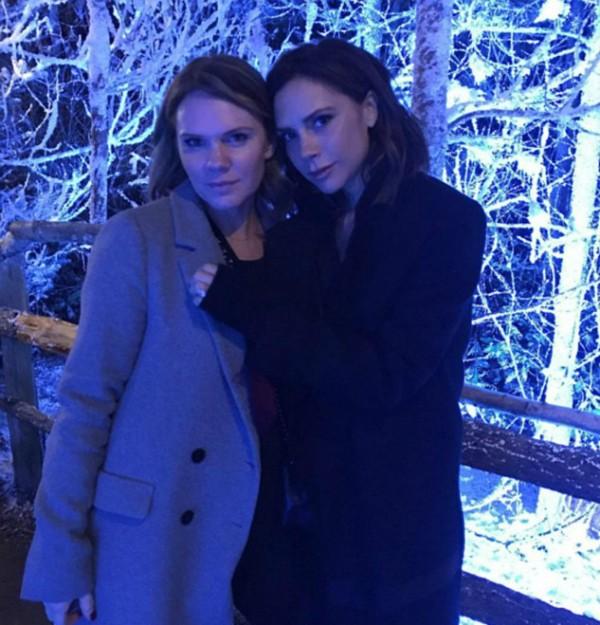 Victoria Beckham ao lado da irmã, Louise (Foto: Instagram)