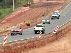 Trecho em obras da rodovia SP-304, entre Piracicaba e São Pedro (Foto: César Fontenele/EPTV)