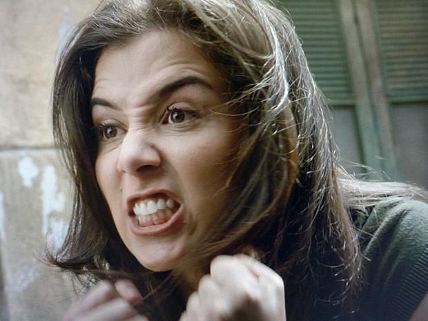 Zé fica furiosa com desprezo de José Alfredo (Foto: Carol Caminha/Gshow)