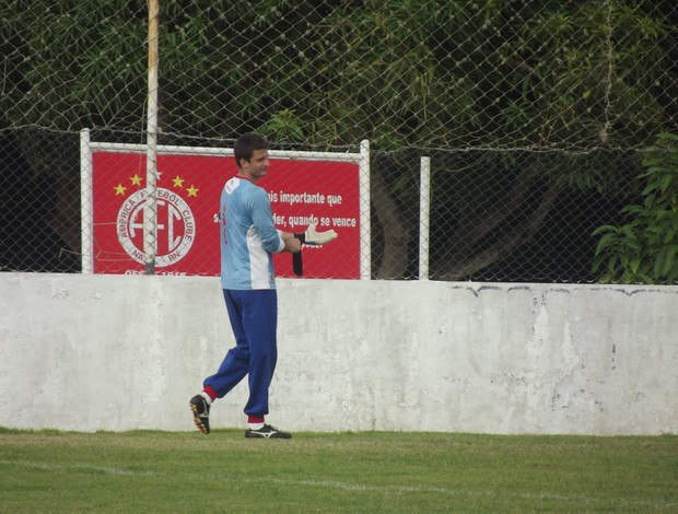 Galatto, goleiro do América-RN (Foto: Tiago Menezes)