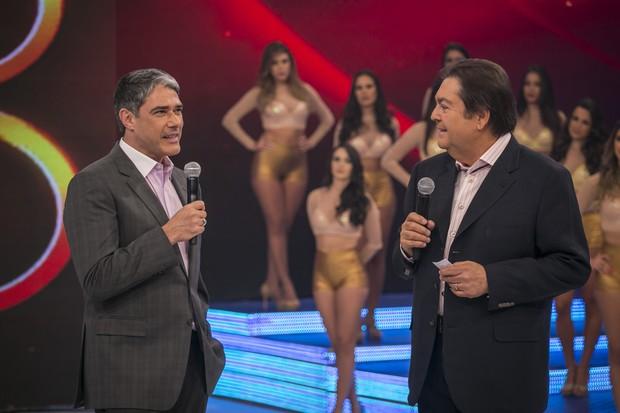 William Bonner e Faustão no prêmio Melhores do Ano, do Domingão (Foto: Paulo Belote / Globo)