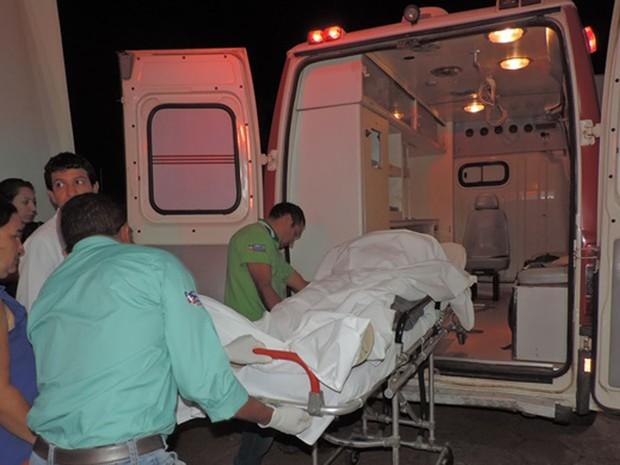 Policial foi atingido no tórax e pescoço, segundo PM (Foto: Edivaldo Braga/ blogbraga)