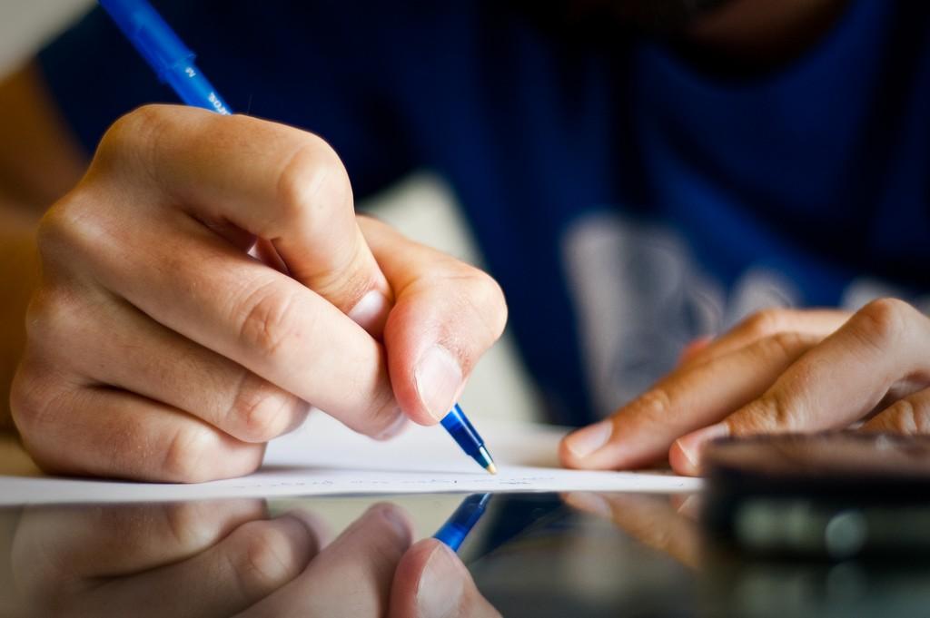Quer aprender mais? Tome notas com caneta e papel
