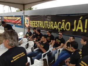 Policiais federais param atividades por 24 horas em RO (Foto: Marcos Paulo/G1)