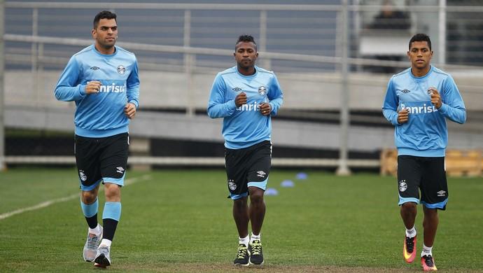 Bolanos treino com bola Grêmio (Foto: Lucas Uebel/Divulgação Grêmio)