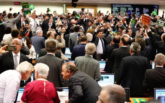 Comissão Especial aprova o processo de impeachment da presidente Dilma Rousseff  (Foto: Sérgio Lima/ÉPOCA)