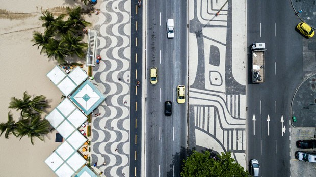 Copacabana beach on top angle of view in Rio de Janeiro (Foto: Getty Images/iStockphoto)