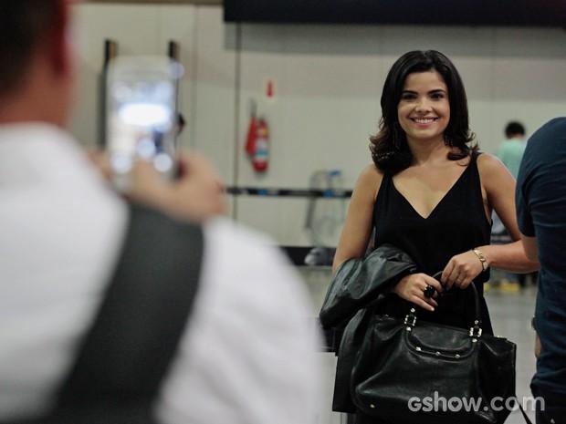 Atriz posou para fotos durante a gravação (Foto: Pedro Curi/TV Globo)
