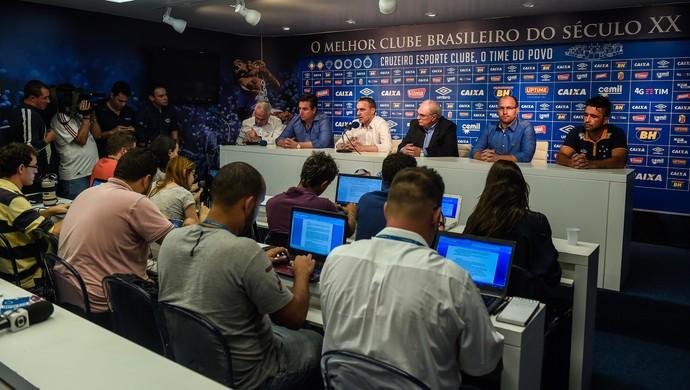 Apresentação Paulo Bento; Cruzeiro (Foto: Light Press)