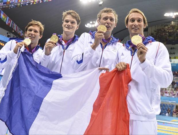 Franceses ganham o 4X100m na natação (Foto: Agência AFP)