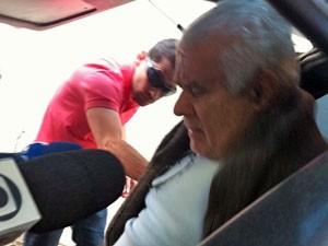 Advogado Sérgio Gadelha deixa 78º DP, nos Jardins (Foto: Julia Basso Viana/G1)