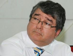 Edísio Souto, advogado de Rosilene Gomes, presidente da Federação Paraibana de Futebol (Foto: Felipe Gesteira / Jornal da Paraíba)
