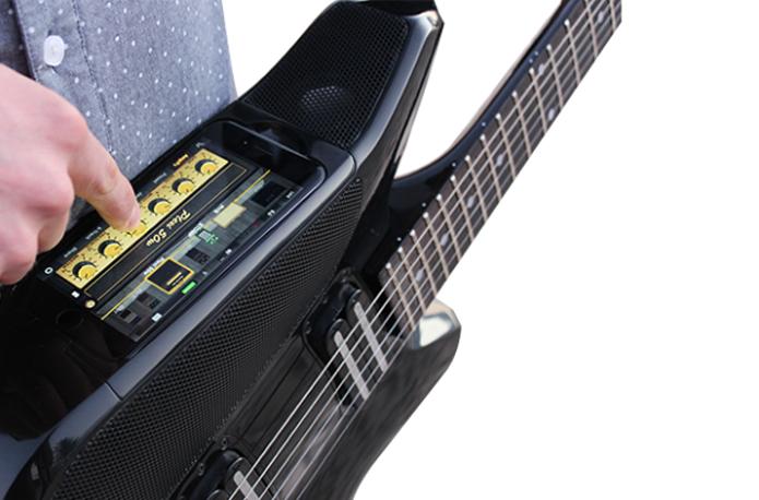 Dock pode ser substituído com facilidade para acomodar futuros iPhones (Foto: Divulgação/Fusion Guitar)