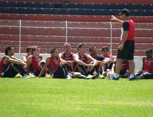 Giba e os jogadores do Paulista de Jundiaí em treino (Foto: Divulgação/Paulista)