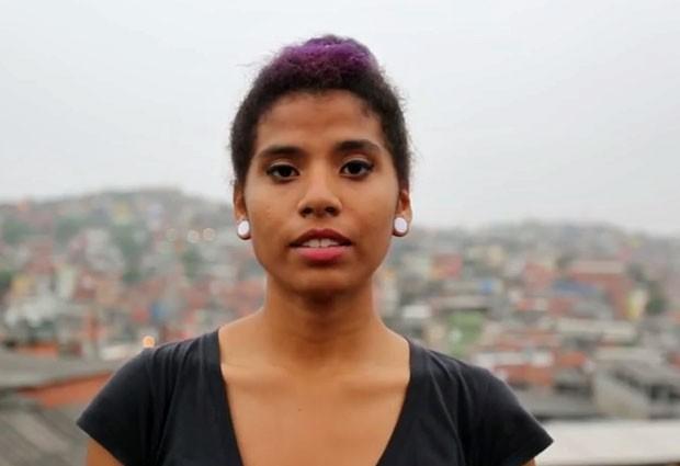 Yolanda Barbosa, de 15 anos, participou de vídeo feito em 12 países em homenagem a Malala (Foto: Reprodução/Plan International)