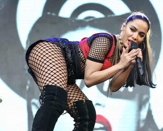Anitta em BH (Foto: Brazil News)