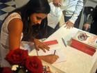 Escritora fala sobre lançar livro na Bienal em SP: 'quero ir mais longe'
