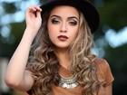 Anna Rita Cerqueira posa estilosa e revela 'outra face': blogueira de moda