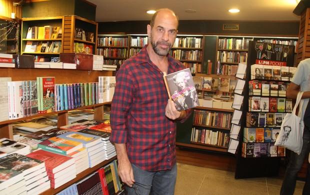 Roberto Bontempo em lançamento de livro no Rio (Foto: Thyago Andrade/ Foto Rio News)