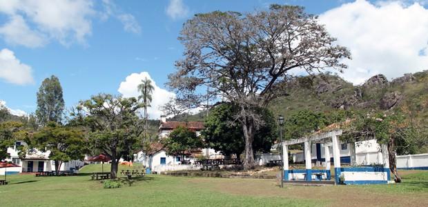 Vila do Biribiri fica perto de Diamantina; construções são de 1876. (Foto: Pedro Ângelo/G1)