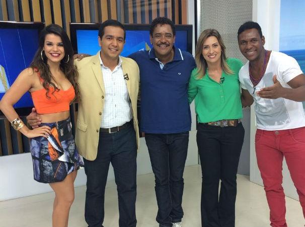Babado Novo, É O Tchan e os apresentadores do RN TV Primeira Edição (Foto: Foto: Diego Negrellos)
