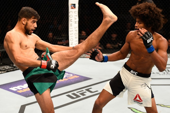 Yair Rodríguez x Alex Caceres UFC (Foto: Getty Images)