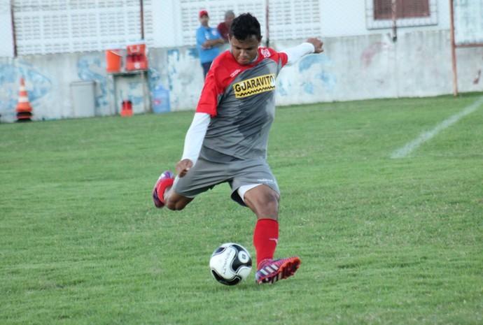 Gabriel - lateral-direito do América-RN (Foto: Canindé Pereira/América FC)