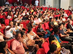 Arena de espetáculos ficou lotada (Foto: Ellyo Teixeira/G1)