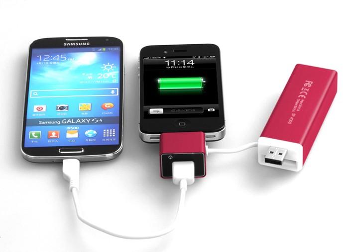MiPow SP4000A tem bateria de 4.000 mAh e pode carregar até dois smartphones simultaneamente (Foto: Divulgação/MiPow)