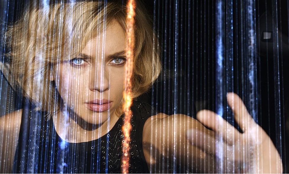 Scarlett Johansson já usava 100% do cérebro antes do filme (Foto: divulgação)