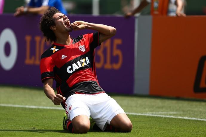 Arão comemora gol diante do Figueirense (Foto: GEOVANI VELASQUEZ/CÓDIGO19/ESTADÃO CONTEÚDO)