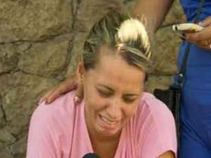 Mãe de Larissa chora a perda da filha (Foto: Reprodução / GloboNews)