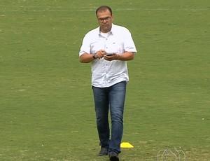 Gilson Kleina, técnico do Goiás, e Harlei, diretor de futebol (Foto: Reprodução/TV Anhanguera)