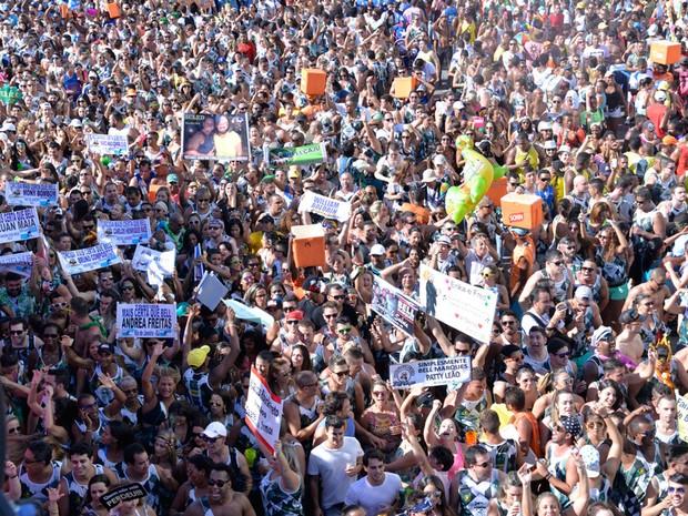 Foliões lotam bloco de Bell Marques nesta sexta-feira no circuito Dodô (Foto: Elias Dantas/Ag. Haack)
