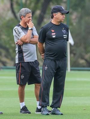 Marcelo Oliveira e comissão técnica do Atlético-MG (Foto: Bruno Cantini/ Atlético-MG)