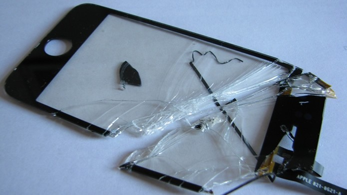 É possível contratar serviços de seguro para smartphones que cobrem o reparo a danos no écran (Foto: Reprodução/Flirck - kolina-chan)