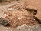 Moradores reclamam de buracos em ruas de Gurupi