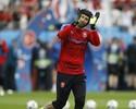 Petr Cech se despede da República Tcheca após fracasso na Eurocopa