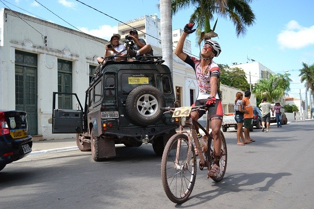 Goiano Gesiel Nunes vence prova de mountain bike em Corumbá (Foto: Hélder Rafael)