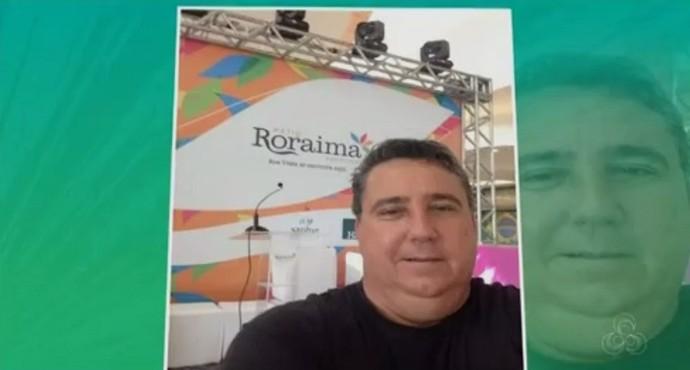 A selfie que ligou o alerta para Márcio; não se reconheceu na imagem durante um evento (Foto: imagem/Divulgação)