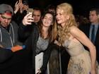 Nicole Kidman e Amy Adams fazem a alegria dos fãs em prêmio de cinema