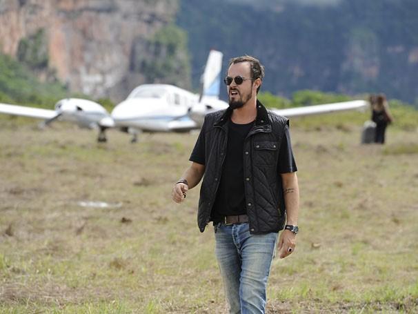 Paulinho Vilhena interpreta um bandido na nova série policial da Globo, A Teia (Foto: Estevam Avellar / TV Globo)