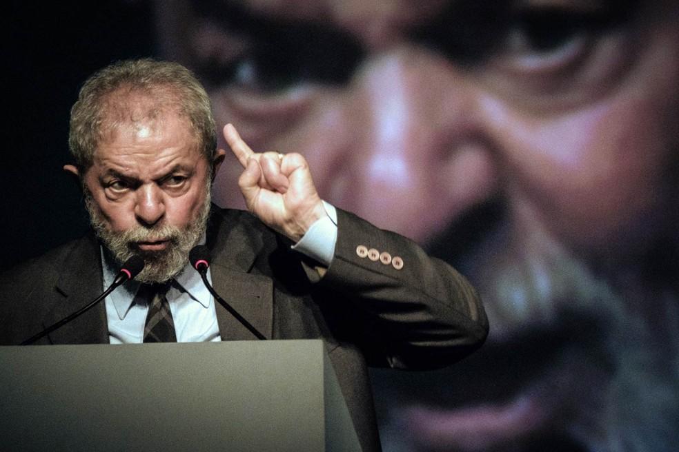 O ex-presidente Luiz Inácio Lula da Silva, durante congresso no Rio de Janeiro em novembro (Foto: Yasuyoshi Chiba/AFP)