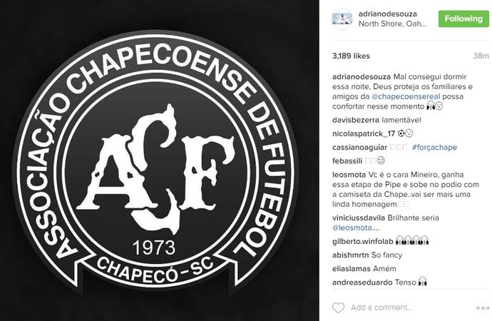 Adriano de Souza prestou homenagem à Chapecoense (Foto: Reprodução Instagram)