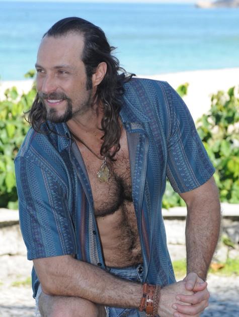 Fernando Pavão caracterizado para 'Pecado mortal' (Foto: Michel Angelo/ Record)