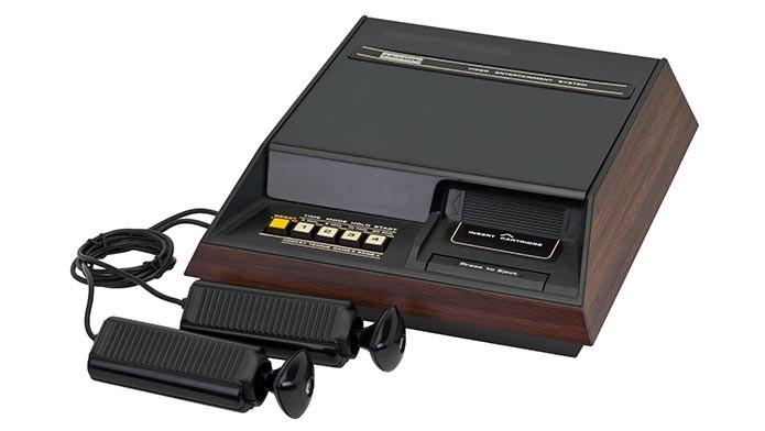 O Fairchild Channel F (1976) foi o primeiro console a usar cartuchos (Foto: Divulgação)